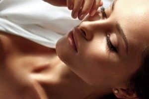 Подходяща грижа за чувствителна кожа на лицето