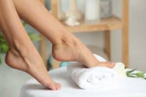 Суха кожа на стъпалата – погрижете се за нея в 4 стъпки!