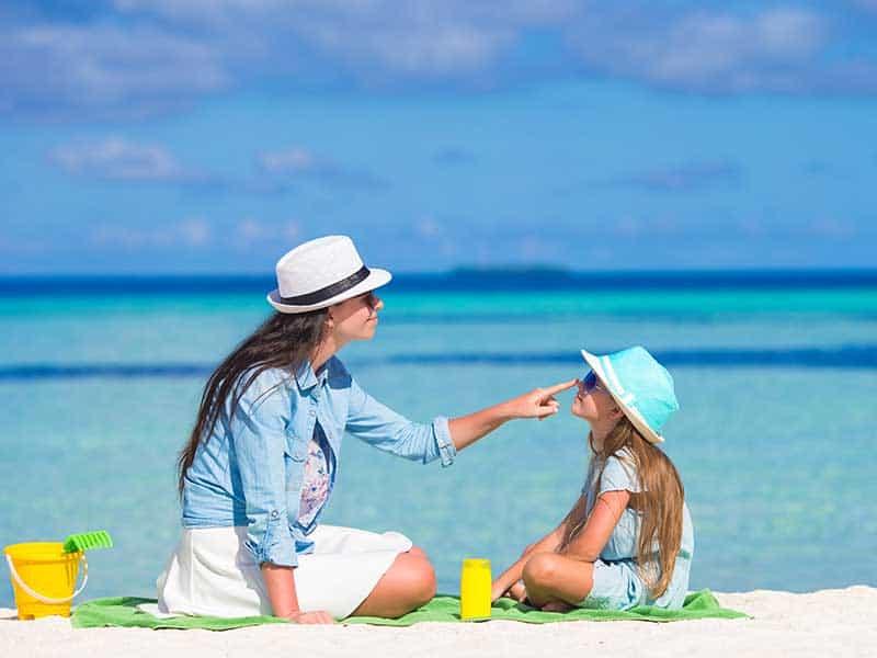 Предпазване на децата от слънчевите лъчи