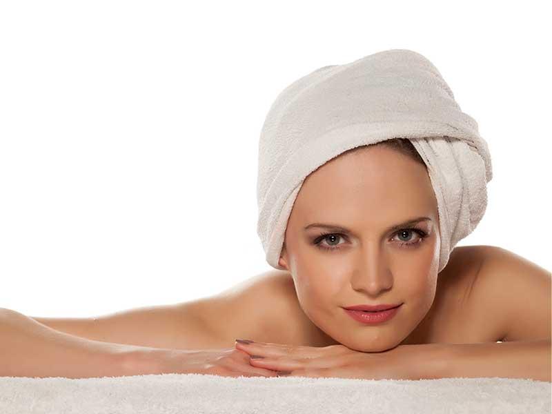 Мазна кожа през лятото – погрижете се правилно за нея!