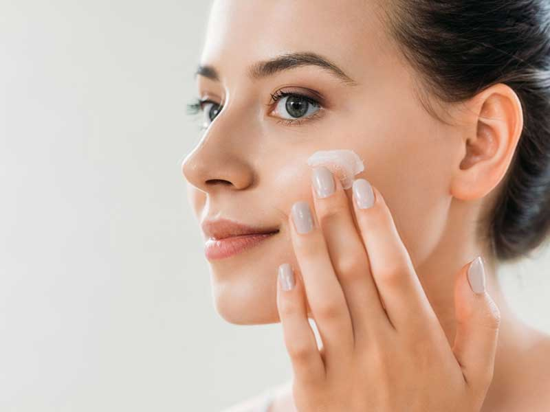 Чувствителна кожа през есента – грижи за здраве и красота